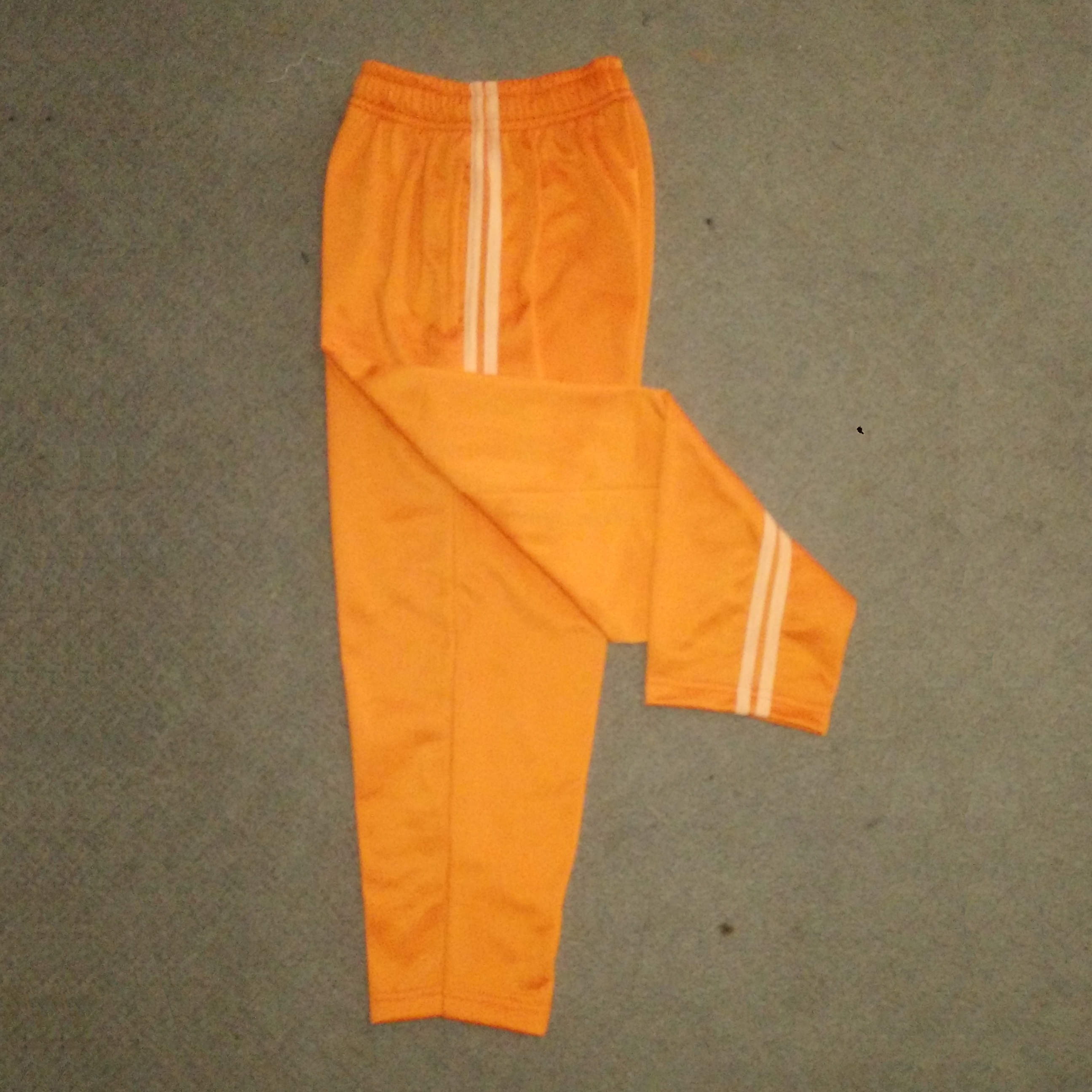 Kaos dan Celana Diadora, Seragam Training
