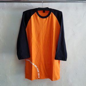 Kaos O-Neck dan Celana Training Diadora